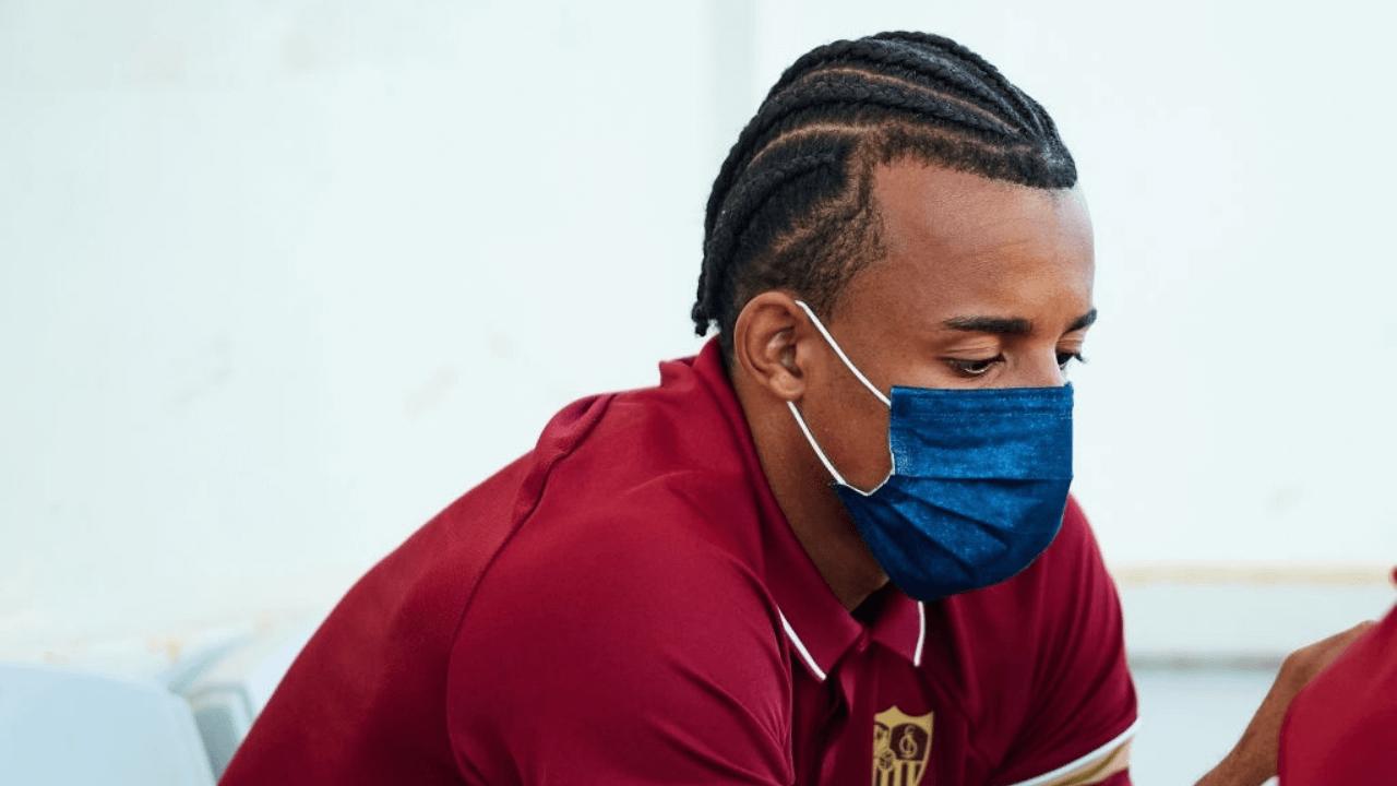 Chelsea and Sevilla eyeing swap deal for Jules Koundé